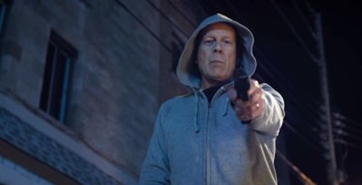 Daddy's gotta gun! O.O