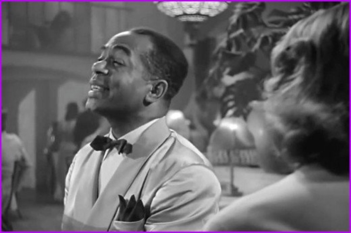 The piano Sam was playing in Casablanca was sold at at New York City auction in 2014 for $3.4 million dollars.  This is more than three times the original cost of making the entire movie.