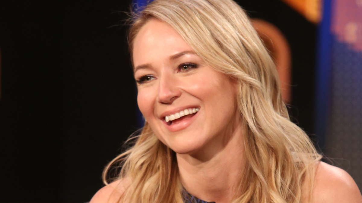 Jewel was homeless before she became successful.