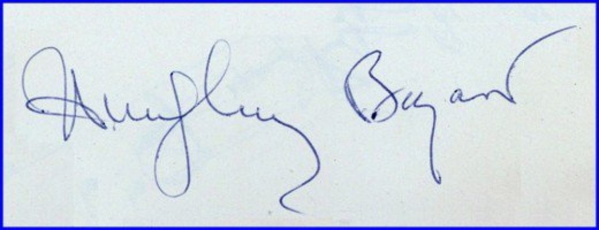 Autographs of Humphrey Bogart can sell for $1,000 and more.  His signature is one of the most valuable of all Hollywood actors.