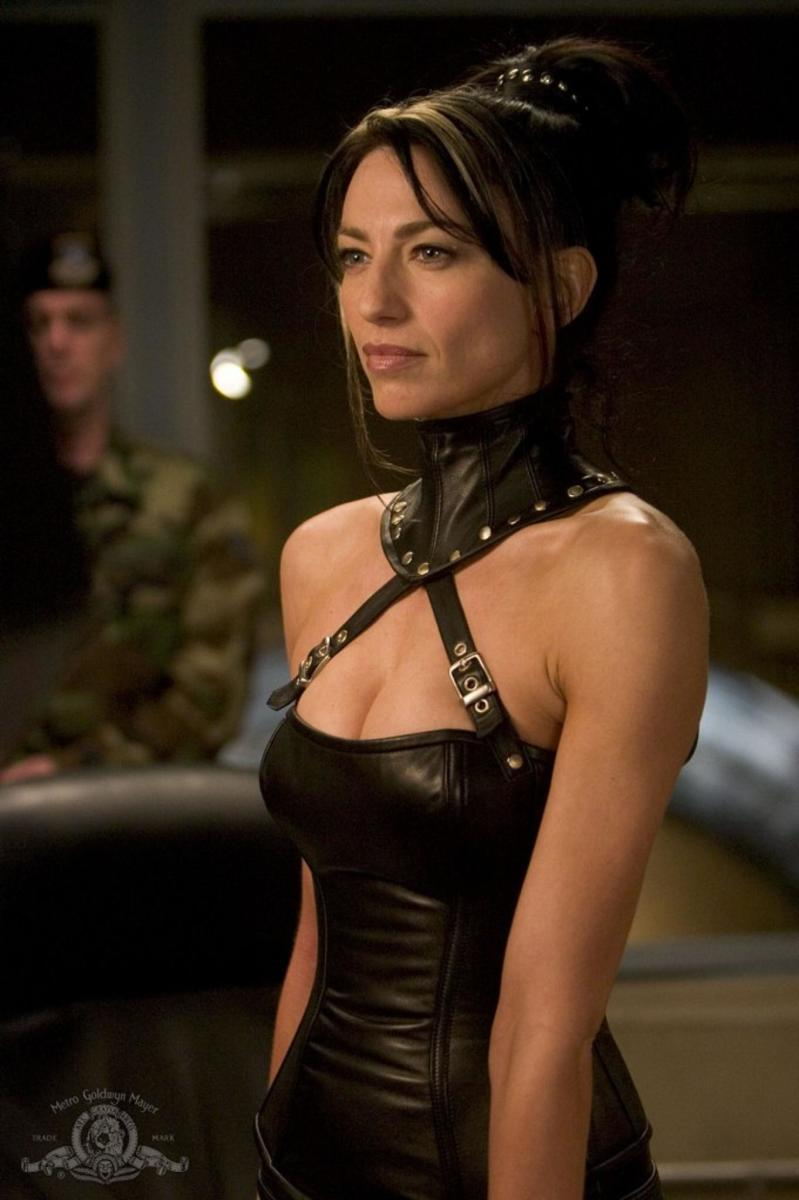 Claudia Black as Vala Mal Doran in the Television series Stargate SG-1. MGM and Sci Fi Channel.