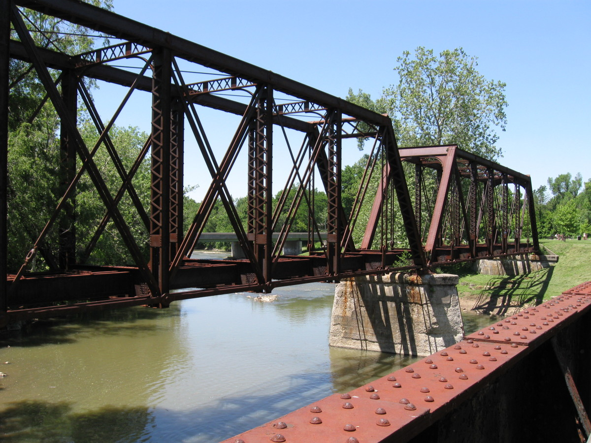 Crossing the river on Muncie's north side on the Cardinal Greenway