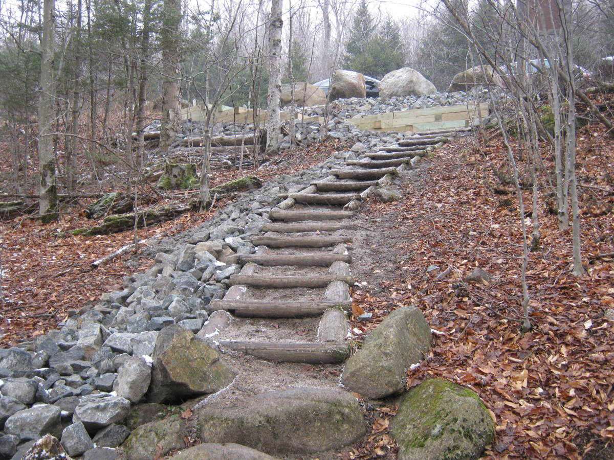 As you near the parking area, the trail gets more gentle and even has steps.  I think many a novice hiker are lulled into thinking the entire trail is like this.