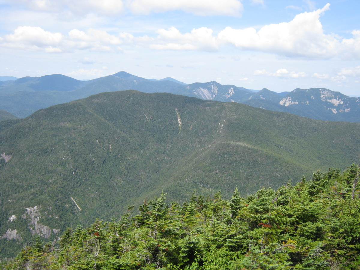 Looking over the Colvin Rage toward the Great Range from the summit of Dix.
