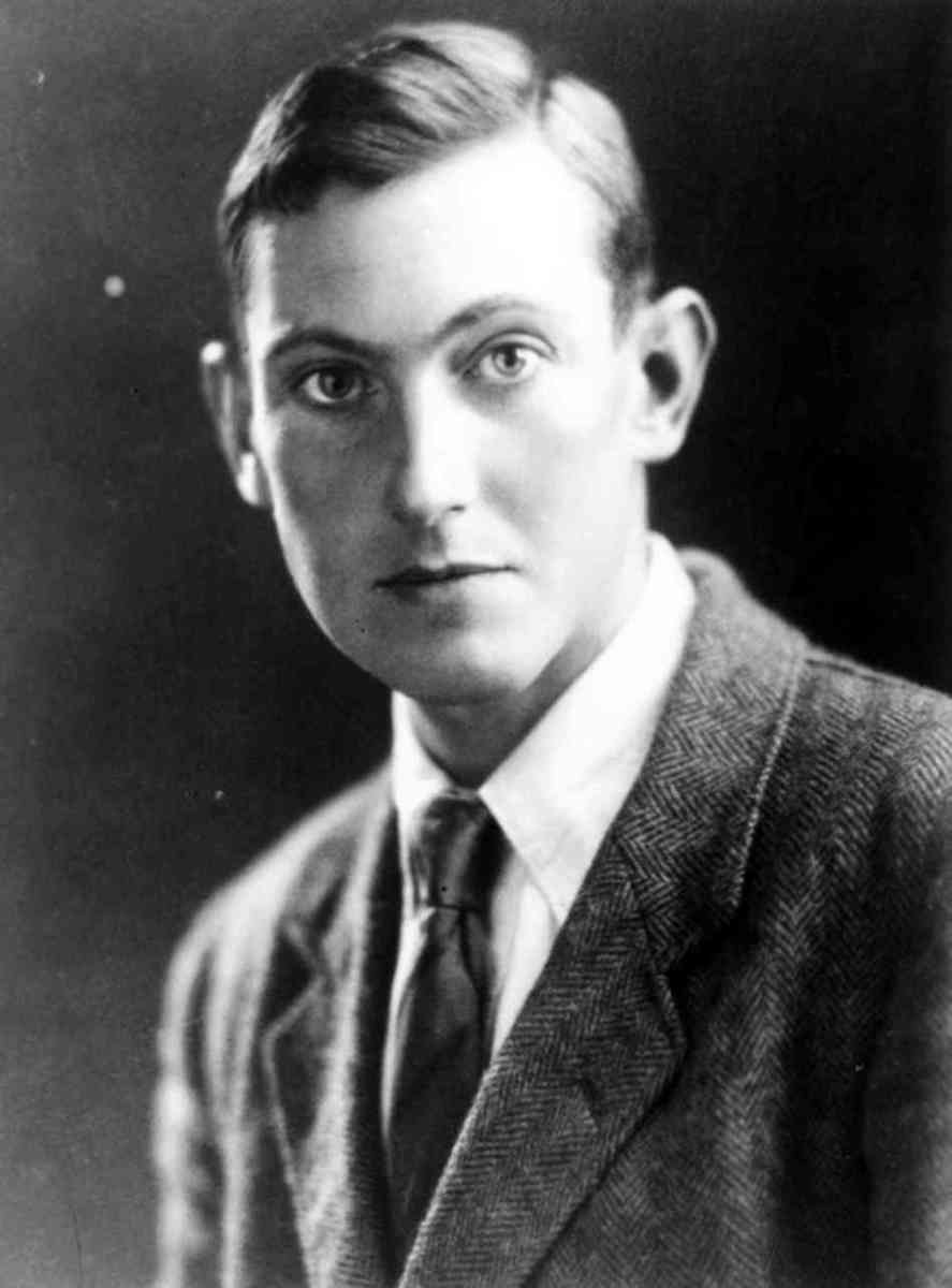 This photo shows a young George Mallory.