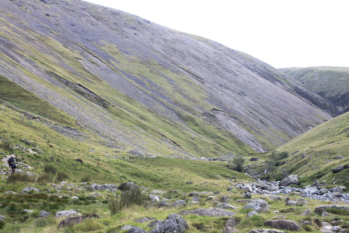 Travelling up through the Brown Tongue. Looking to the left at Lingmell Scars up towards Lingmell and Goat Crag on the path towards Hollowstones