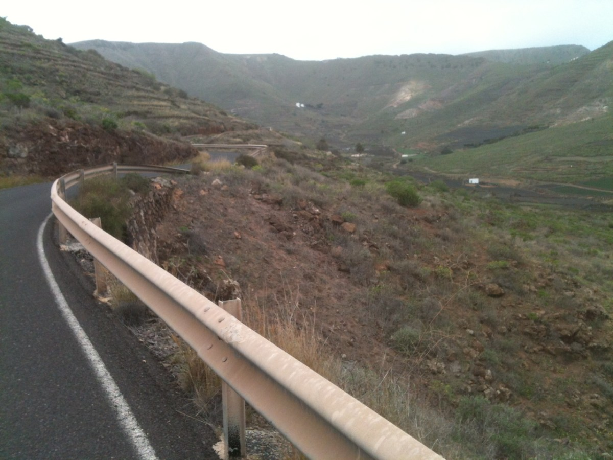 The Tabayesco cycling climb is the longest on Lanzarote and a great training route
