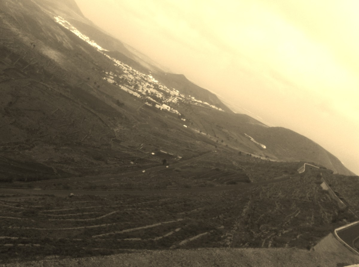 Looking down on the hairpins of Tabayesco with Haria in the background