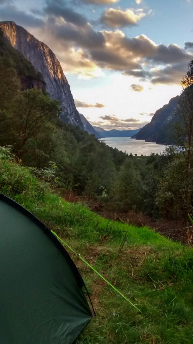 Wild camping near Kjeragbolten