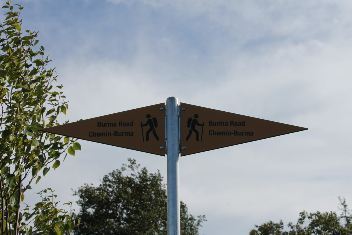 Sign at the Intersection of the Burma Road Trail and the Ladies Lookout Trail