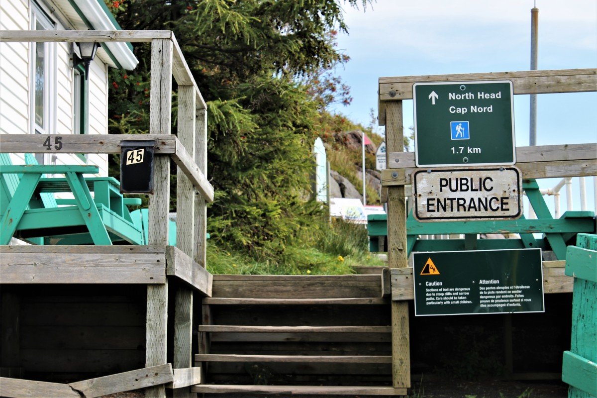 Entrance to Northhead Trail From the Outer Battery
