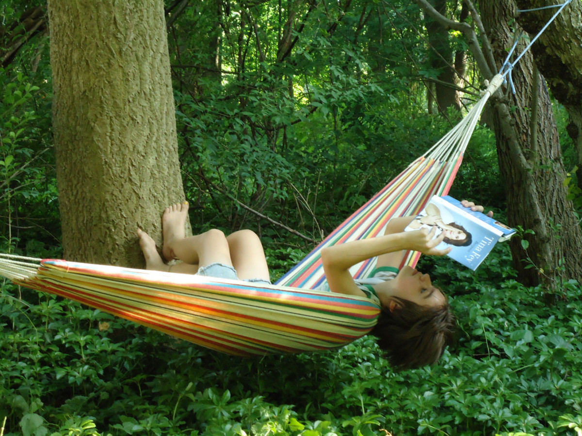Laying width wise keep the hammock bed open