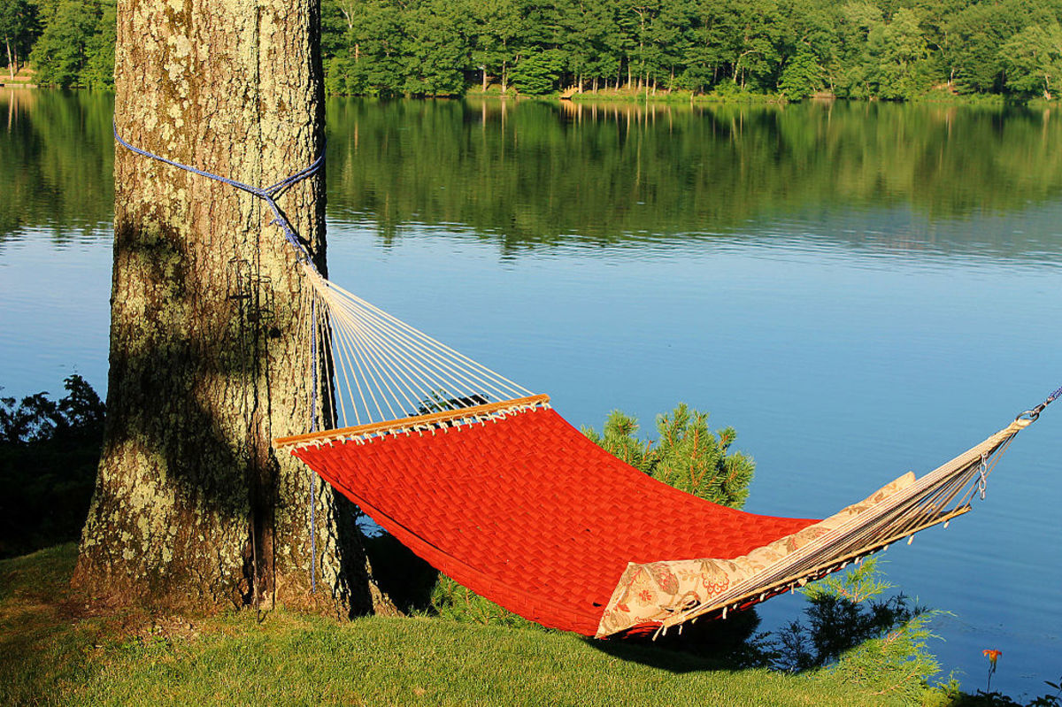 Quilted Hammock with Spreader Bar by the Lakeshore