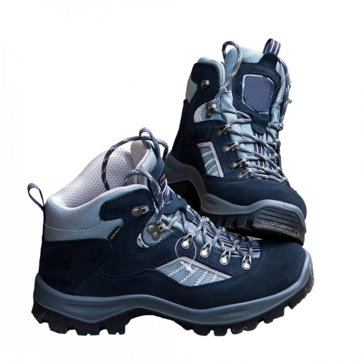 Middle-cut hiking boots