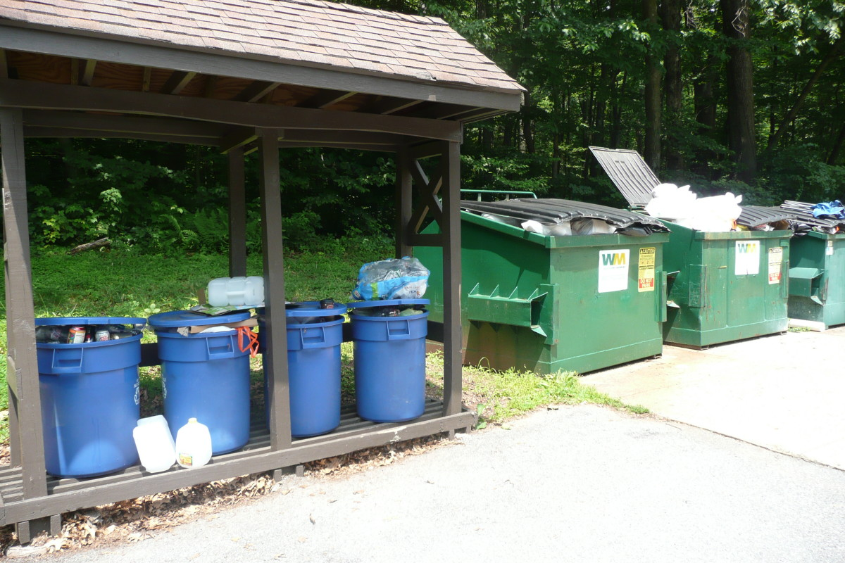 Many campgrounds provide trash and recycling receptacles for campers to use.