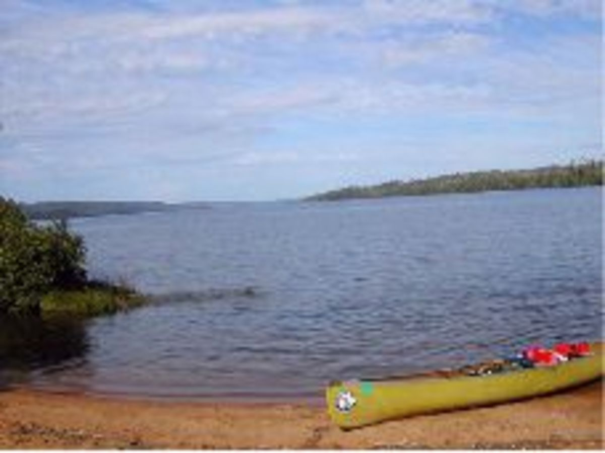 We stopped at the end of Gunflint Lake to search for the entrance to the channel.