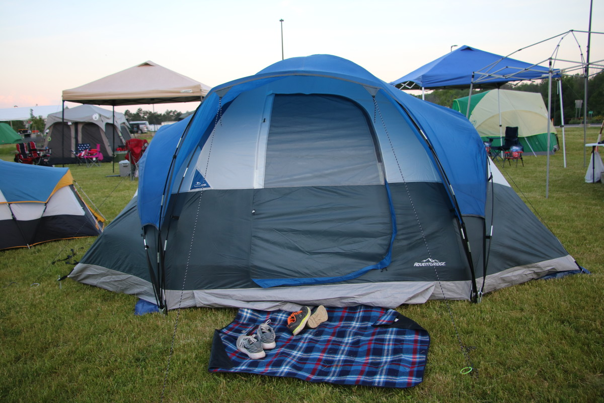 All-weather rugs help keep the interior of the tent free from dirt and debris.