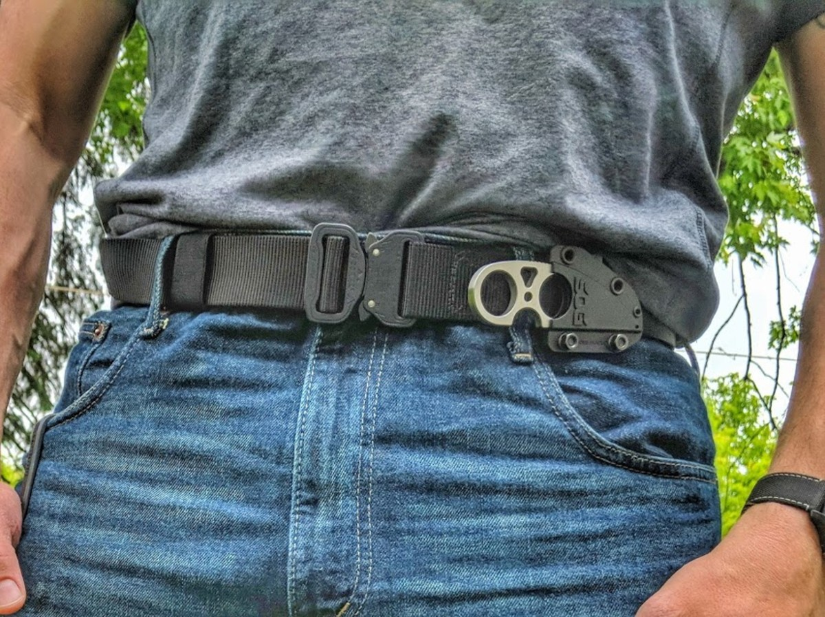 Klik Belts tactical with jeans.