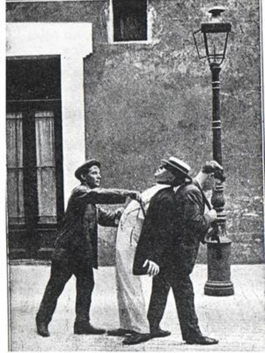 Demonstration of Les Apache's method of mugging.