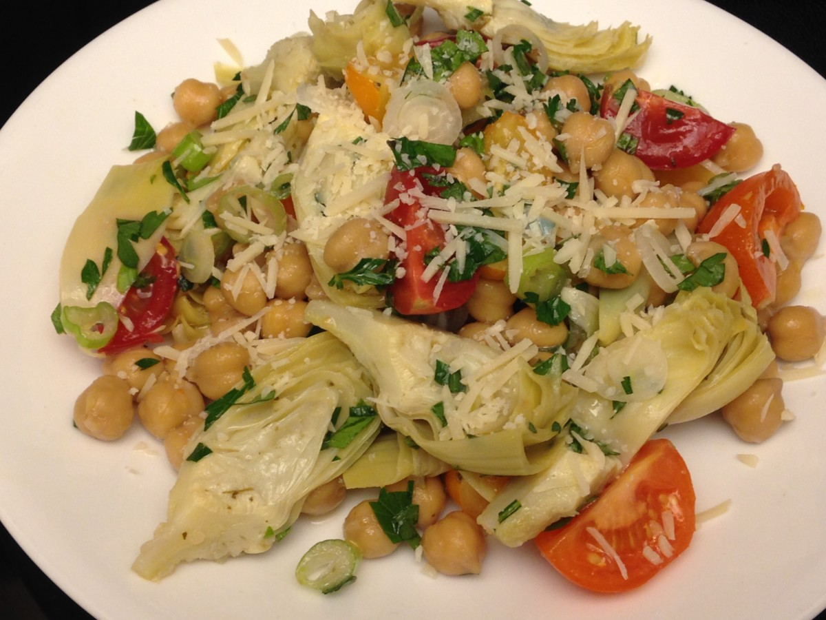 Weight Watchers Chickpea Artichoke Salad- I cut the recipe in half and made a single serving.  It's a large portion!