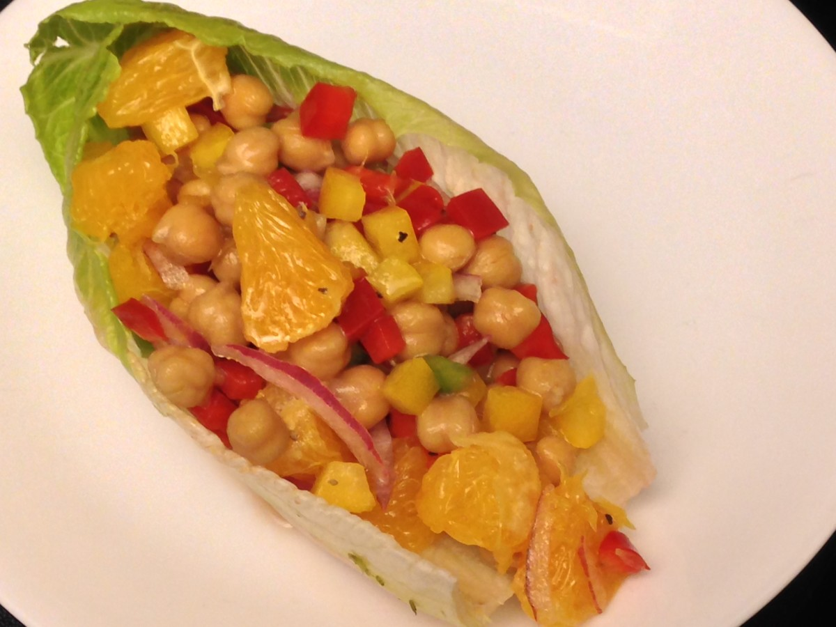 Weight Watchers Citrus-Bean Salad with chickpeas, orange, and bell peppers