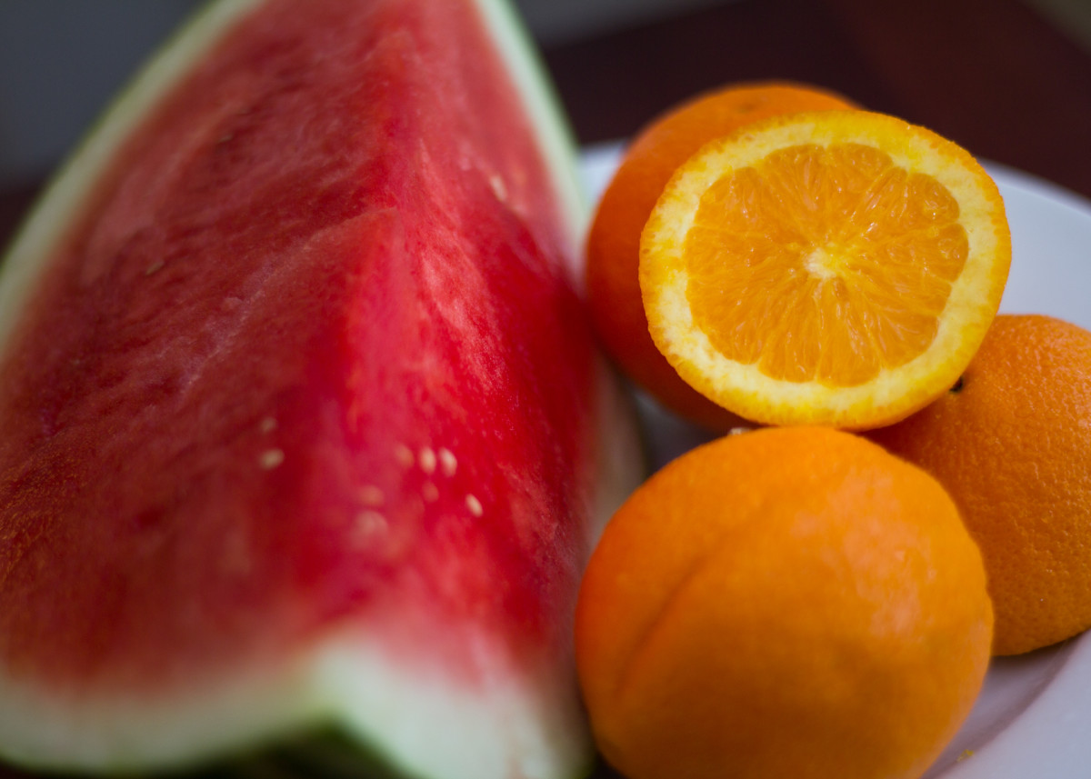 As major sources of fiber, fruit is key to maintaining healthy digestion and losing weight.
