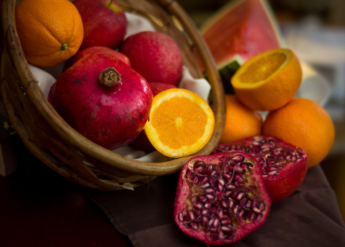 By the end of day one be sure that you have eaten at least four apples, four oranges, one watermelon, and two pomegranates.