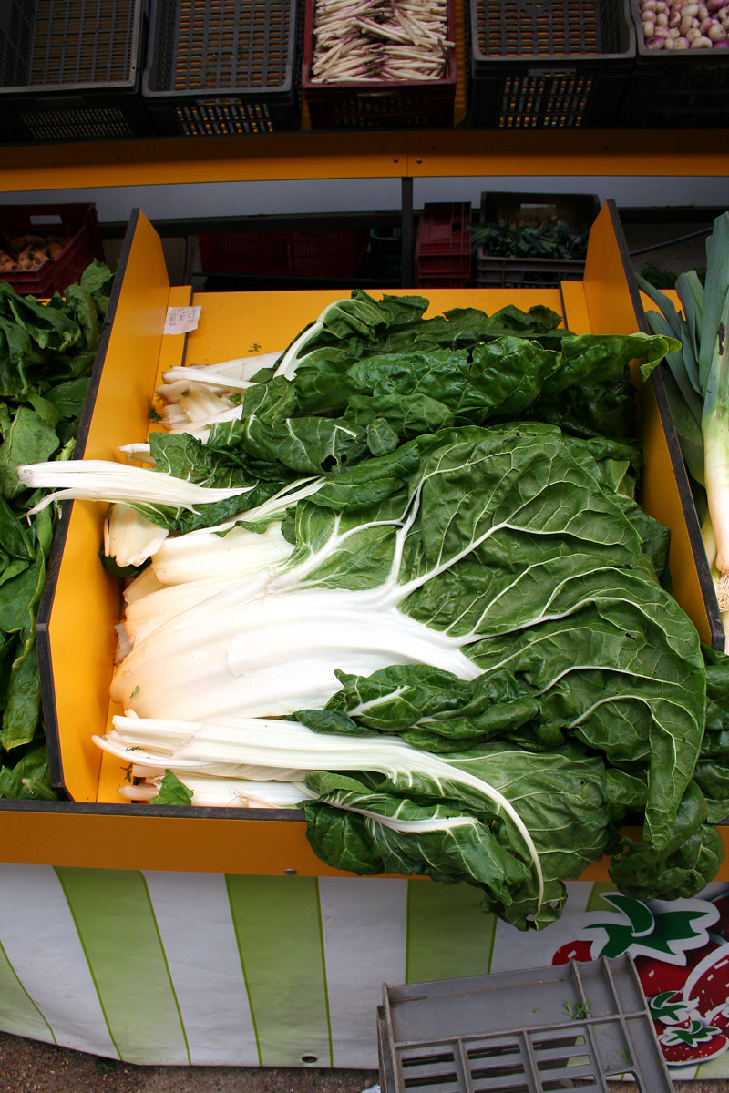 Health Benefits Of Silverbeet Swiss Chard Or Chard Caloriebee Diet Exercise