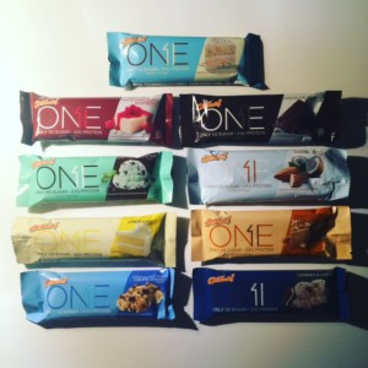 9 of the 11 OhYeah! ONE Bar flavors.