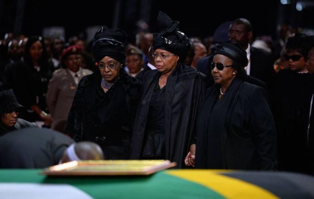 """Lala Ngoxolo/Robala Ka Kgotso(Rest In Peace) Nelson """"Madiba"""" Rolihlahla Mandlela"""