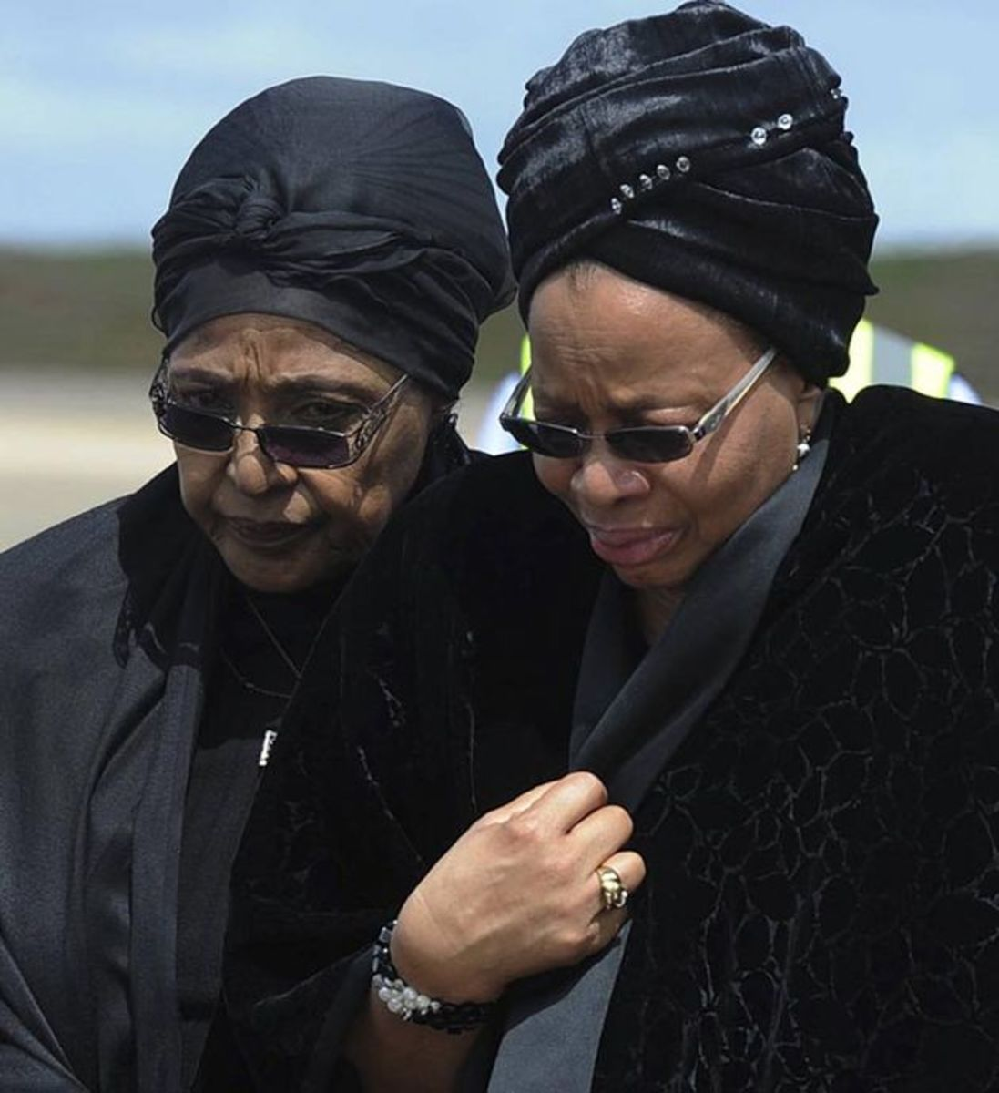 Winnie And Graca Mourning In Qunu