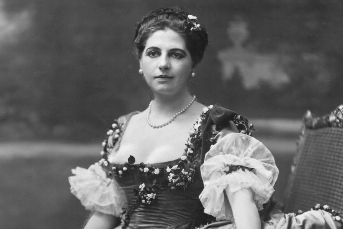 Mata Hari: born 7 August 1876 died 15 October 1917 was a stage dancer and mistress