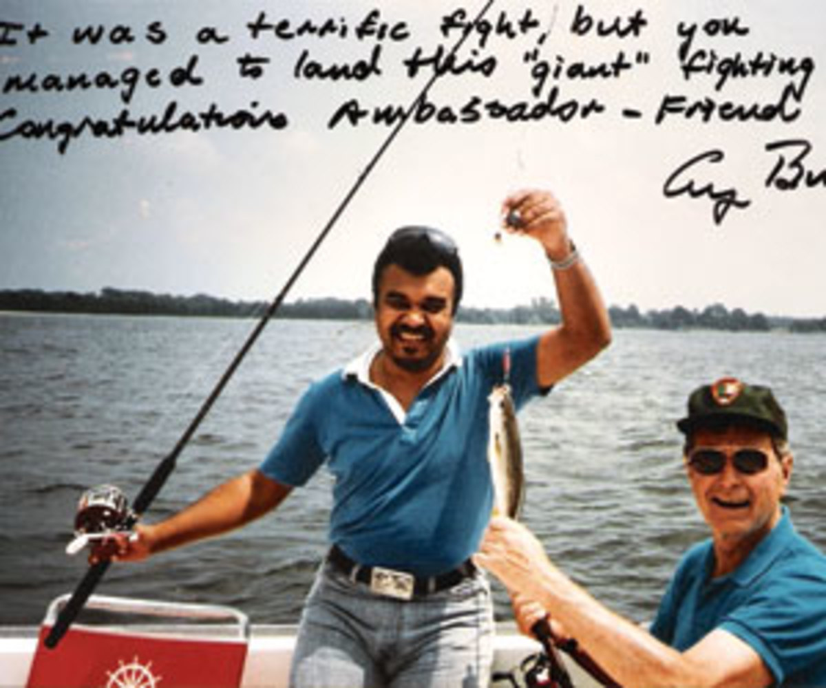 Hand-written note to Prince Bandar from George HW Bush, date unknown.