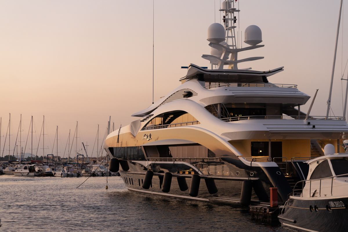 Yachts are ecologically irresponsible.
