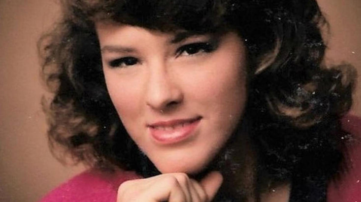 An honor roll student and high achiever, Denise Pflum vanished one month before her high school prom in 1986.