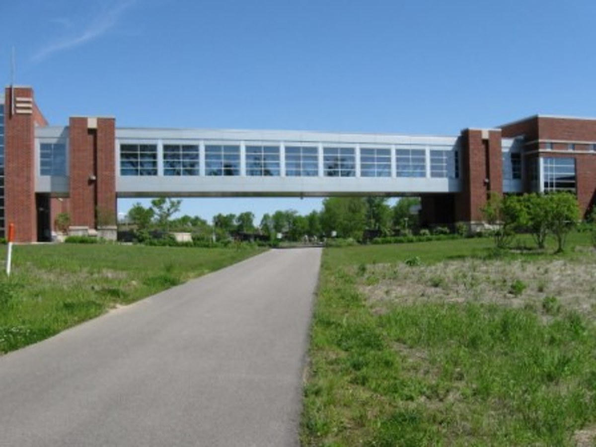 Heading south, passing under part of the Monon Center, a fitness complex at Central Park..