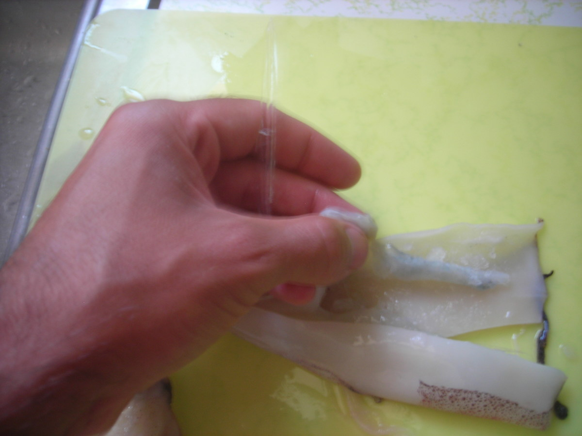 how-to-cut-clean-and-prepare-squid-bait-for-fishing