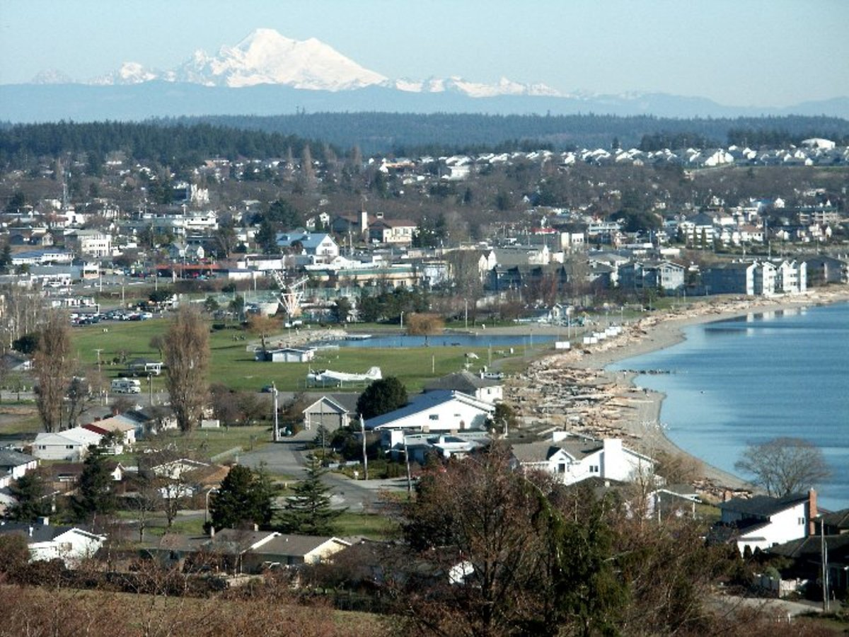 Oak Harbor with Mt.Baker in background