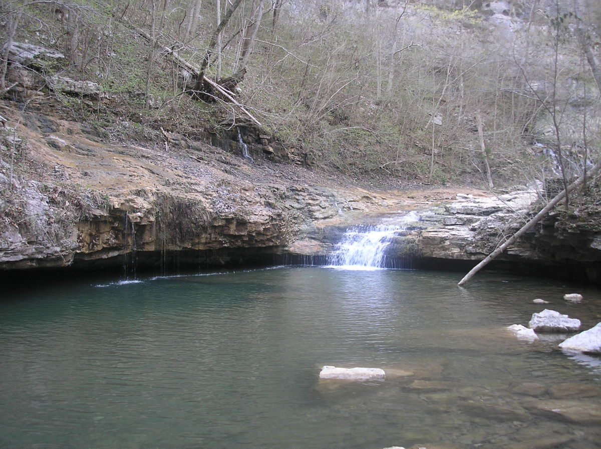 Small waterfall emptying into a pool at Walls of Jericho