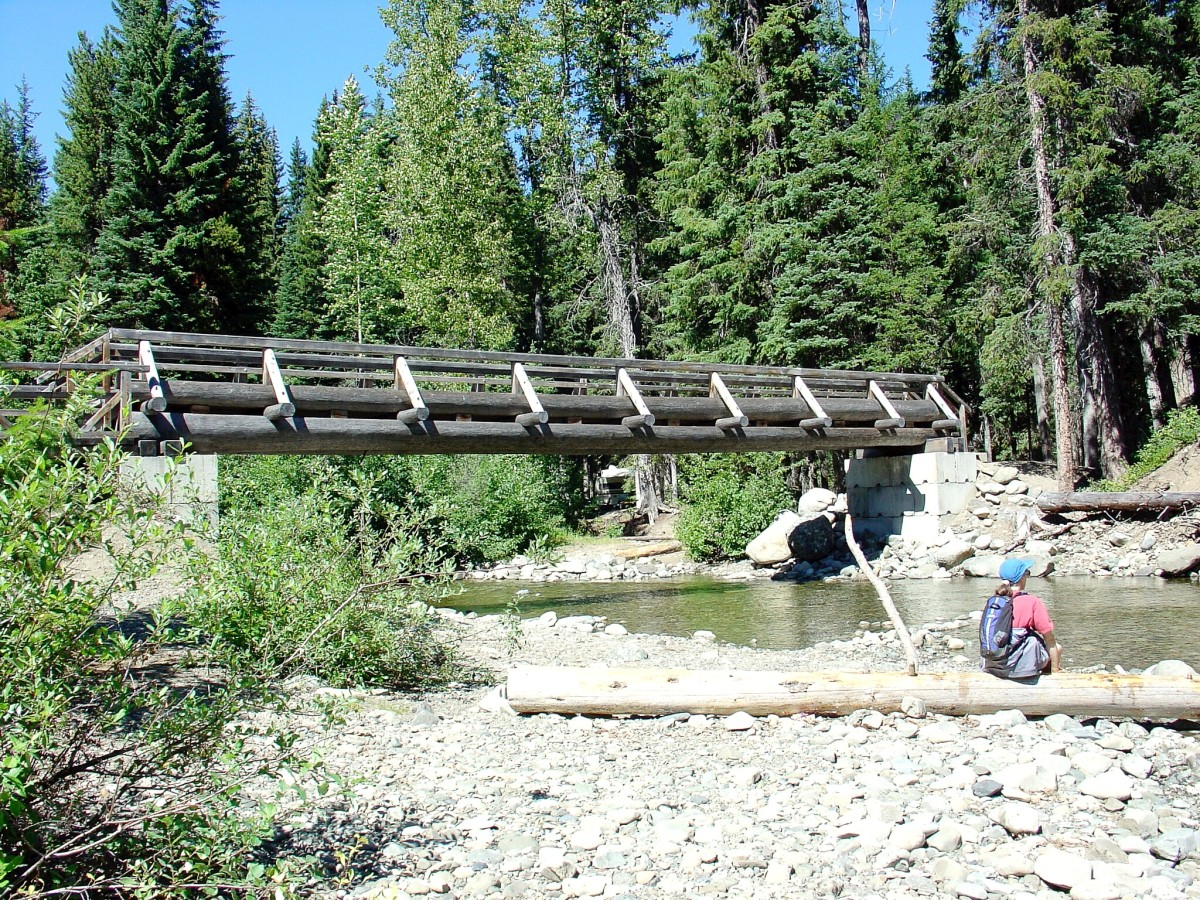 The bridge connecting the Coldstream Campsite to the Canyon Loop Trail