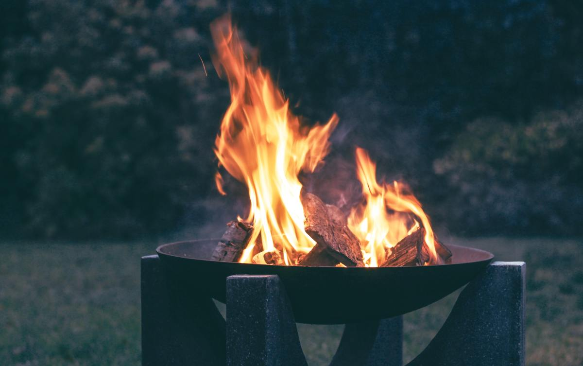 Campfires are pretty and everything, but not pretty enough to make me want to sleep in the woods!