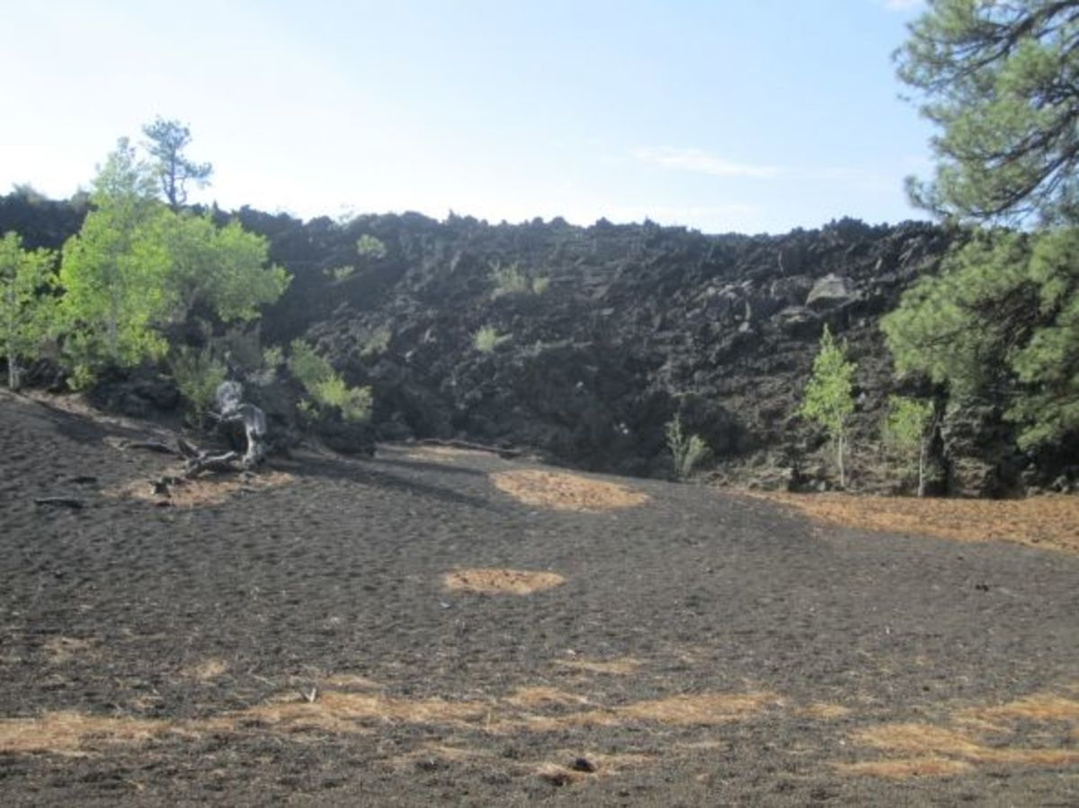 Lava flow along OLeary Peak trail
