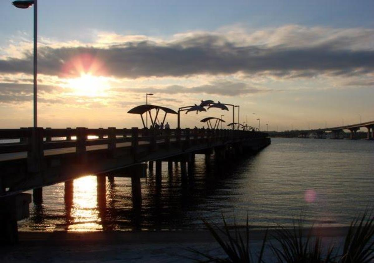 This fishing pier, or at least the end of it you can see, used to be part of the Vilano Bridge that A1A used to go across. You can see the new bridge over to the side. The old bridge is a great place for sheephead.