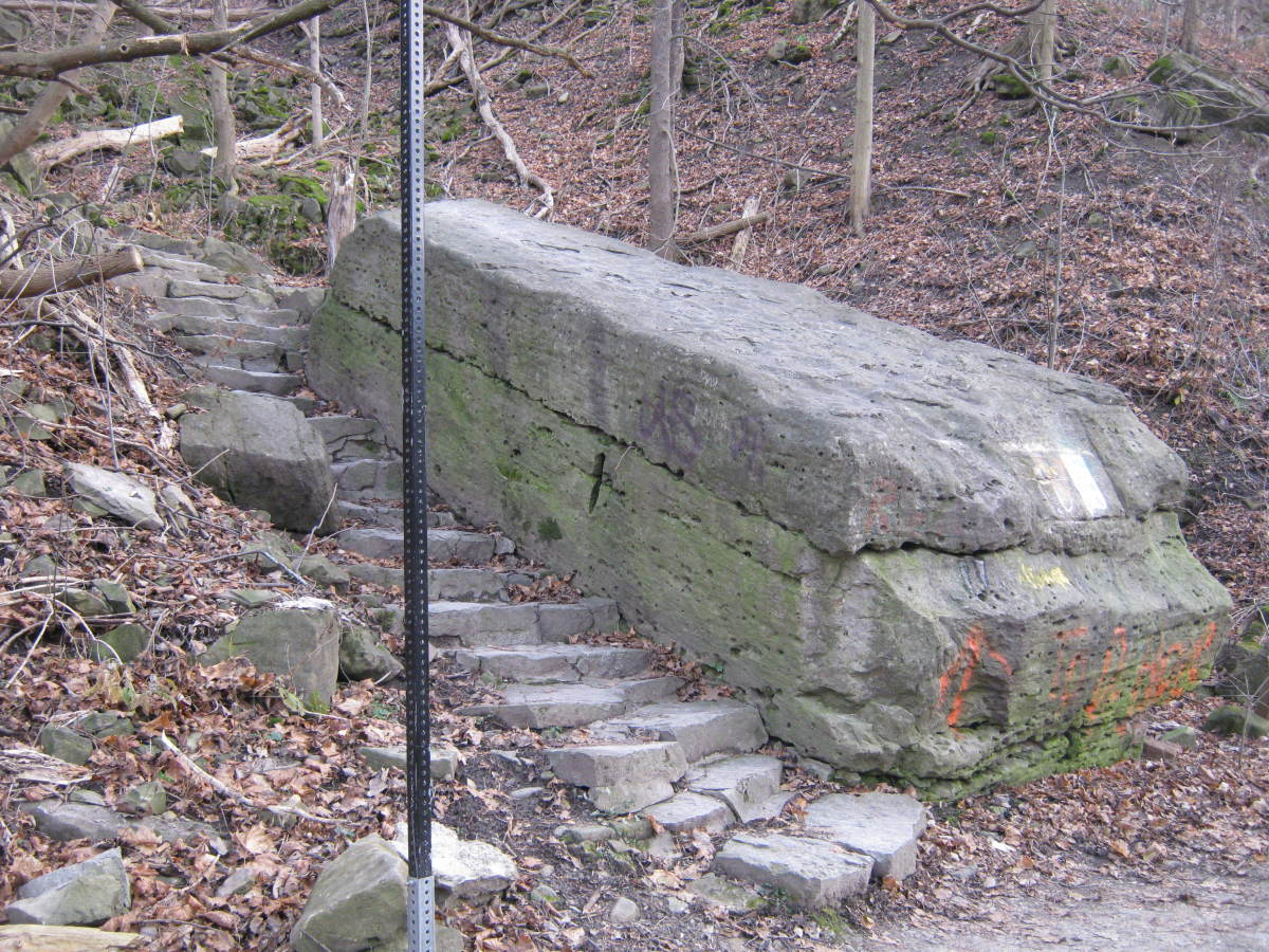 The bottom of the Devil's Hole stairs