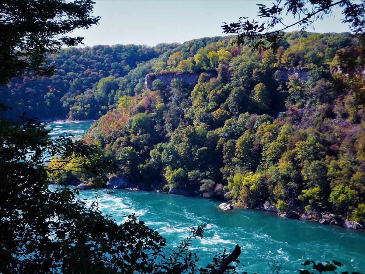 Looking toward Canada in the Niagara Gorge.
