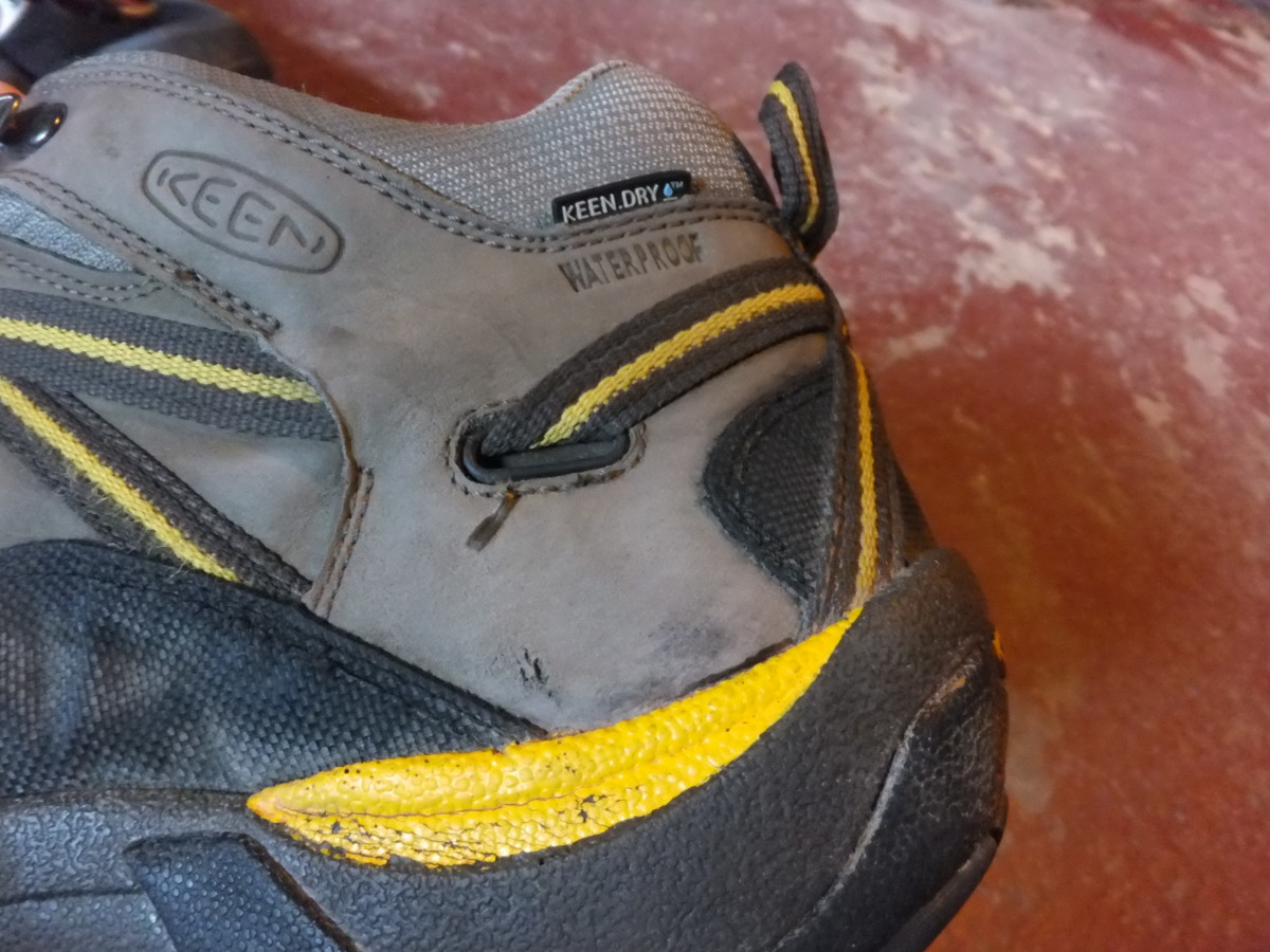 The heel cup on Keen boots holds my heel in well.