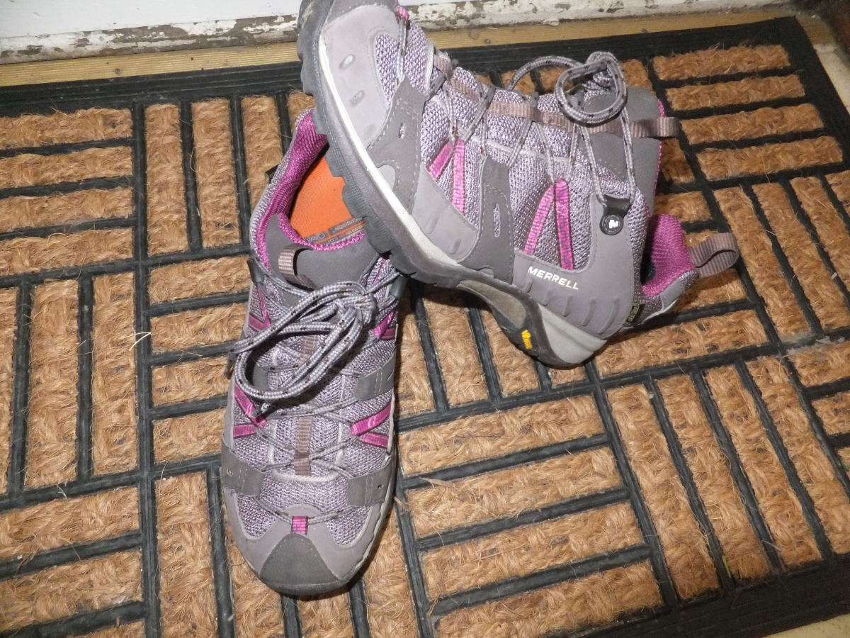The Merrell Siren uses Q Form for a truly anatomical fit for women.