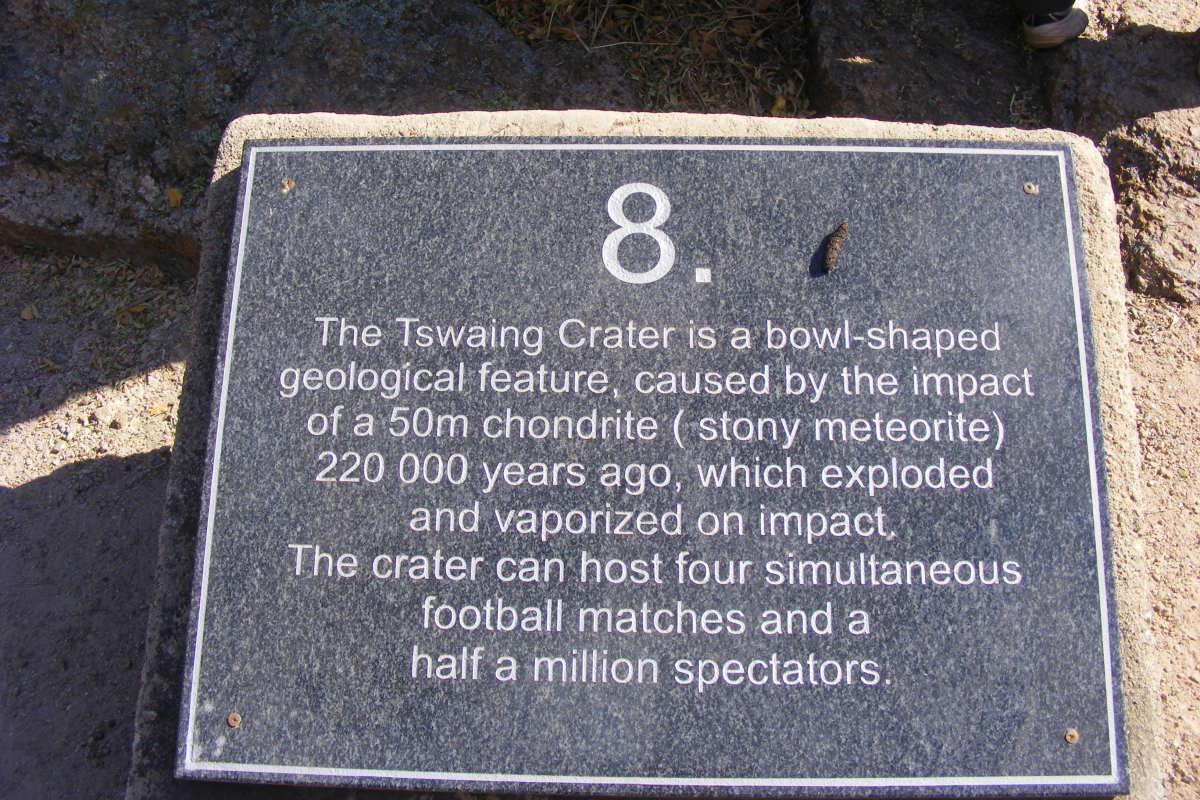 hiking-the-tswaing-meteorite-crater