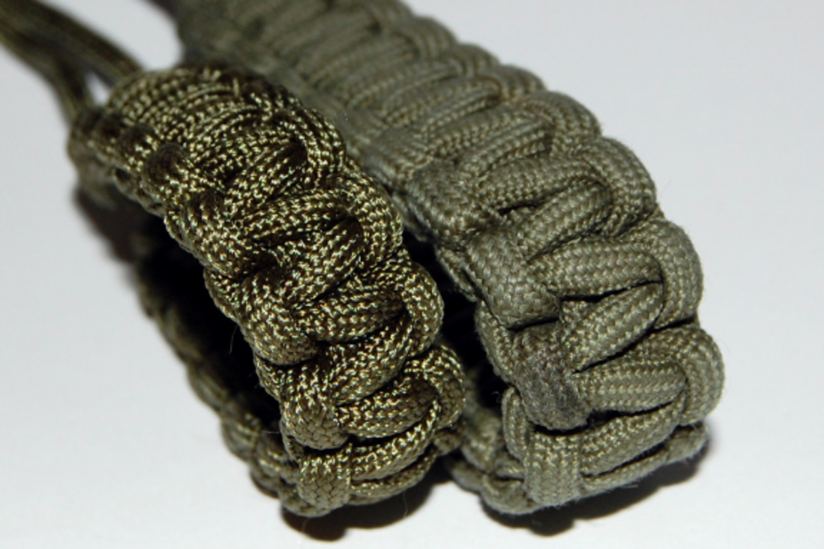 Some knotted 550 cord (paracord).