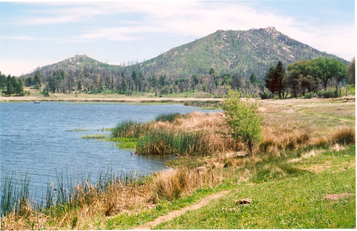 Stonewall Peak (5730') in Cuyamaca Rancho State Park overlooks the trout-filled Cuyamaca Lake (4657').